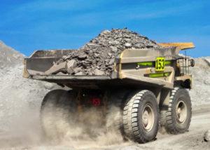 Camion équipé de pneu MAxam Génie Civil