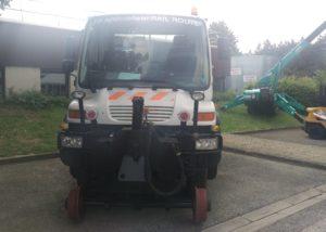 Camion rail/route équipé de pneu vip pneu